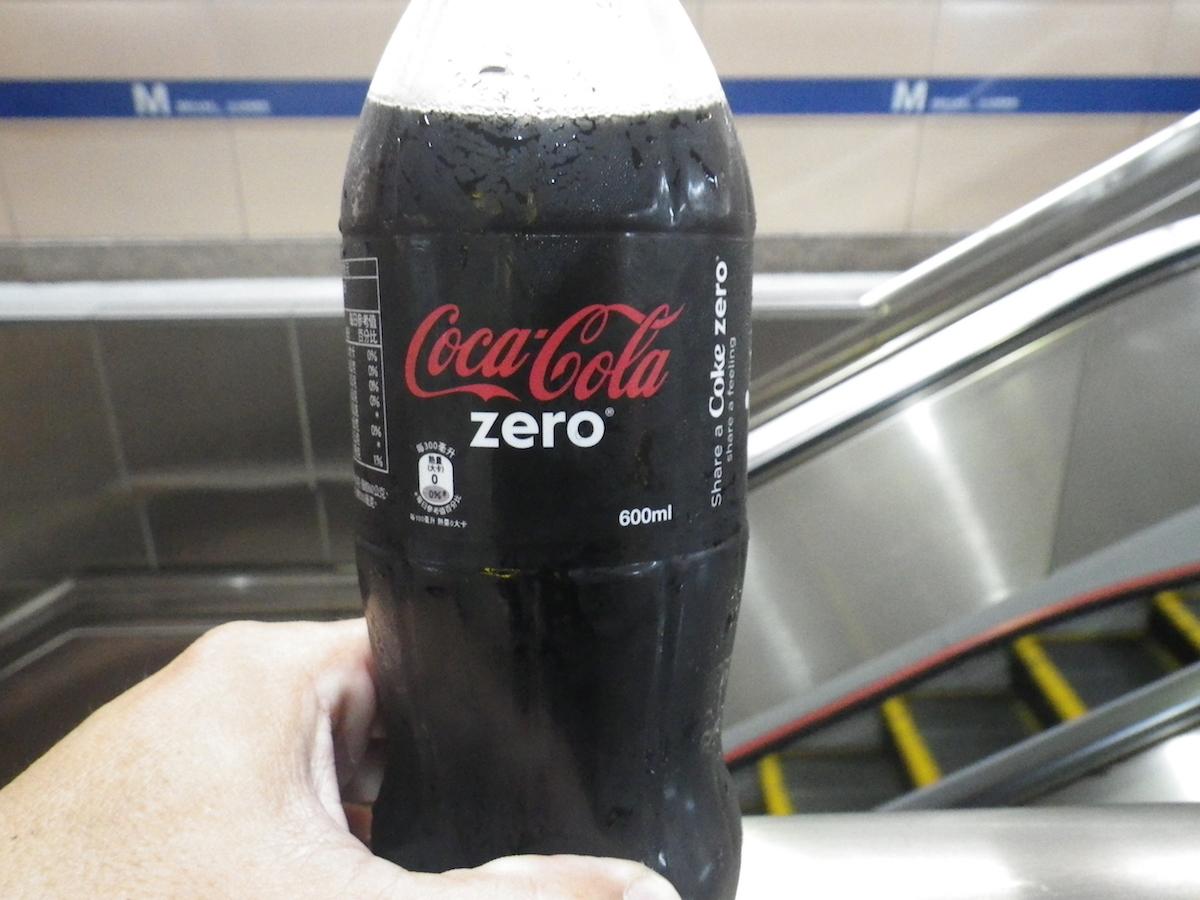 台湾のペットボトルは600ml